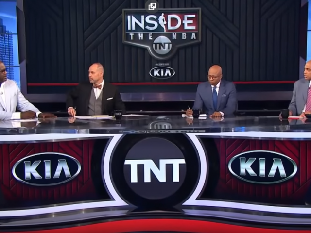 https://shaqfuradio.com/wp-content/uploads/2019/06/shaq-on-TNT-set-640x480.png