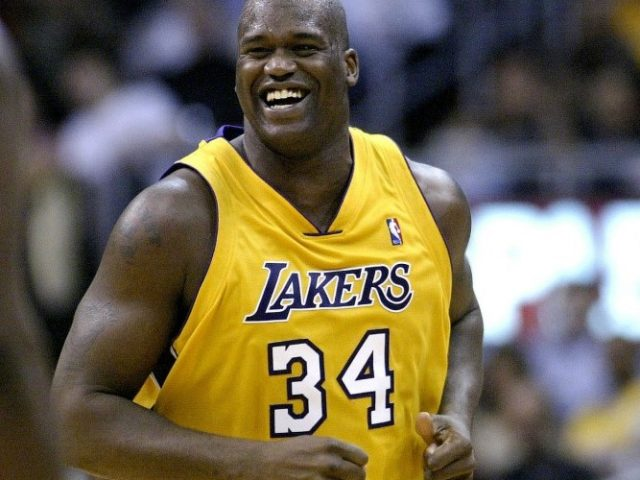 https://shaqfuradio.com/wp-content/uploads/2019/12/Shaq-with-lakers-courtesy-Fadeaway-World-dot-com-square-640x480.jpg