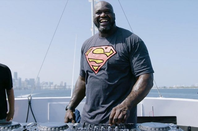 https://shaqfuradio.com/wp-content/uploads/2020/10/shaq-the-dj-640x426.jpg